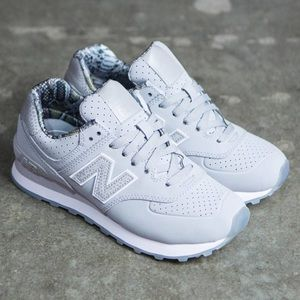 New Balance 574 Luxe Reptile Silver Mink 8.5